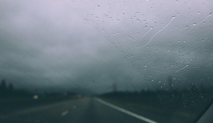 AMSS: Kiša, susnežica i sneg otežavaju vožnju