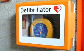 Doktori upozorili: Moguće hakovati i defibrilatore