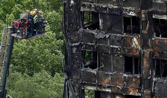 London: Opasne obloge ima oko 600 zgrada, preživelima novi stanovi