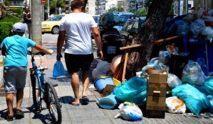 Štrajkuju đubretari u Atini, grad pun smeća