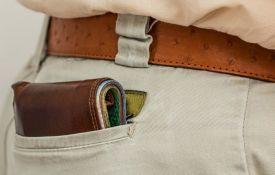 Srbobran: Srušili čoveka na ulici i ukrali mu novčanik