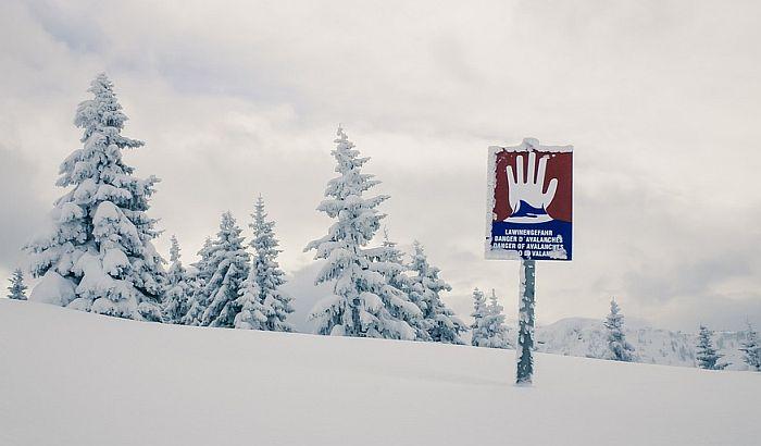Obrušila se lavina na Alpima, 10.000 ljudi čeka pomoć