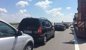 Pojačan saobraćaj na izlazima iz Srbije, duža čekanja na graničnim prelazima
