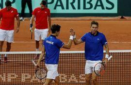 Laka pobeda Francuske u dublu protiv Srbije u polufinalu Dejvis kupa