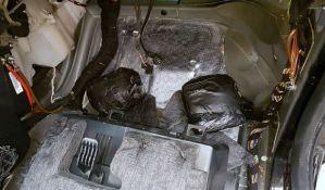 Sprečeno krijumčarenje dva kilograma kokaina, vozač pobegao