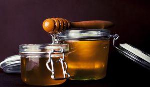 Kako se pravilno jede med