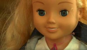 VIDEO: Lutka koja može da se hakuje i prisluškuje decu