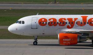 Avion London - Pula evakuisan zbog belog praha