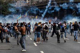 Venecuela: Zapaljena kuća Uga Čavesa