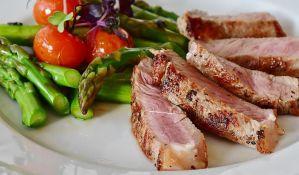 Restoran koji je turistima naplatio obrok 1.100 evra kažnjen novčano