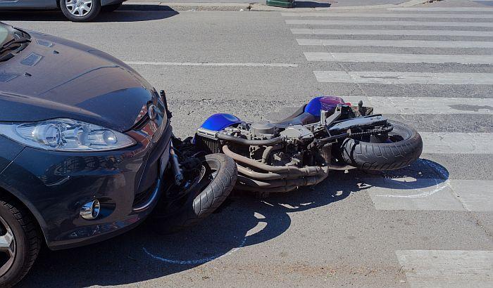 Šid: Motociklista poginuo u udesu