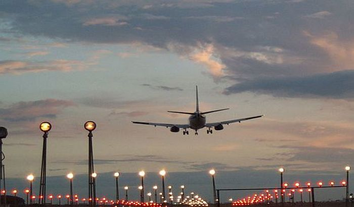 Visoke temperature ometaju letove