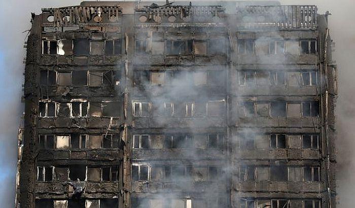 U požaru u Londonu 79 osoba poginulo ili nestalo