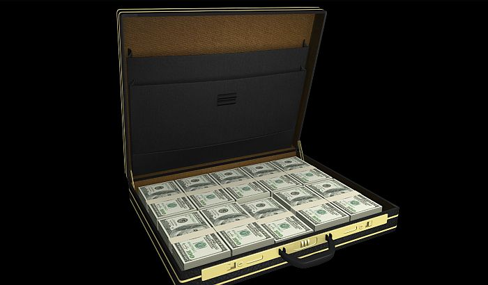 Japanskom biznismenu oteli kofer sa 3,5 miliona dolara
