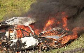 Inđija: Zapalio sopstveni automobil
