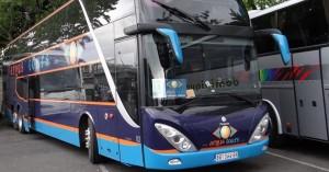 Autobus sleteo sa autoputa NS-BG, dvoje povređeno