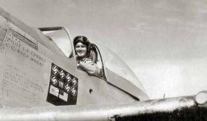 Oborio avion sa bivšom devojkom, pa je oženio