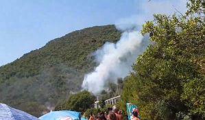 Požari u Crnoj Gori i dalje, turista uhapšen pored plaže