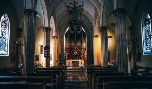 U crkvama sve manje članova, a sve više para