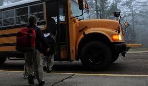 Dečak vozom bežao iz zemlje zbog loših ocena u školi