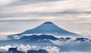 Aktivirao se vulkan u južnom Japanu, prvi put za 250 godina