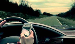 Apple će blokirati kuckanje poruka tokom vožnje