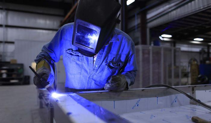 Radnike iz Srbije u slovačkim fabrikama tretiraju kao robove