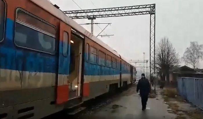 VIDEO: Parole na vozu