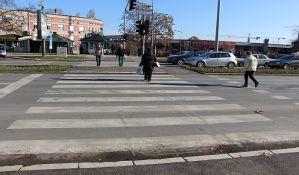 Starica oborena na pešačkom kod Elektrovojvodine