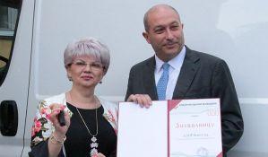 DDOR donirao kombi vozilo Kliničkom centru Vojvodine