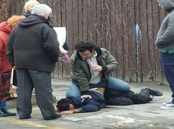 FOTO: Građani sprečili pljačku starije žene
