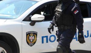 Opljačkao dvojicu Novosađana pod pretnjom pištoljem