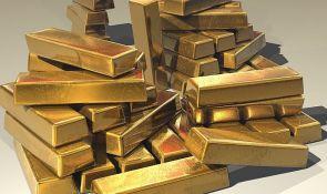 Pokušao da od prijateljice ukrade zlatne poluge, pa ga prevarili lopovi