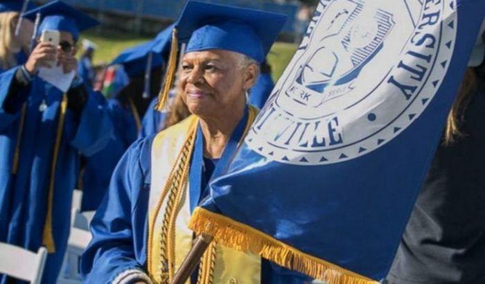 Diplomirala 55 godina nakon što je upisala fakultet