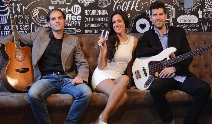 Bend Nevas trio večeras u Radio kafeu