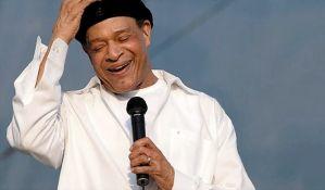 Preminuo džez pevač Al Džaro