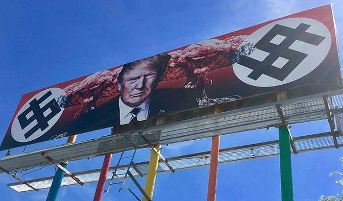 VIDEO: Tramp na bilbordu okružen nacističkim svastikama