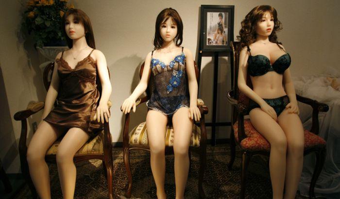 Prostitutkama zasmetao bordel sa seks-robotima, pa ga izmestile