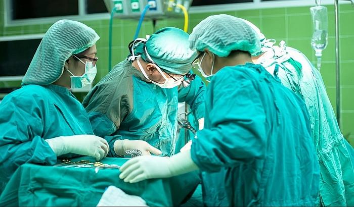Svaki šesti lekar fizički napadnut