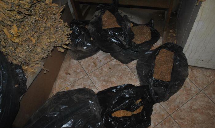 Novosadska policija na pijaci zaplenila 10 kg nelegalnog duvana i cigarete