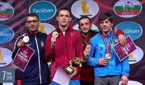 Maksimović osvojio bronzu i treću medalju za Srbiju u rvanju
