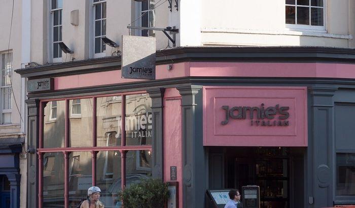 Džejmi Oliver zbog Bregzita zatvara šest restorana u Britaniji