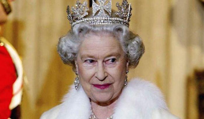 Kraljica ne da da se na njenom posedu snimaju