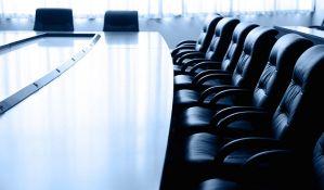 Politika i dalje čuva direktore u javnim preduzećima