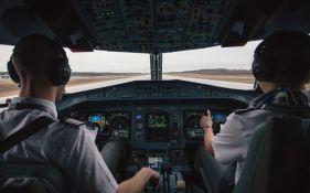 Piloti Er Čajne otpušteni zbog korišćenja e-cigareta na letu