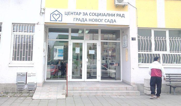 Ispred novosadskog Centra za socijalni rad ostavio kofer sa natpisom