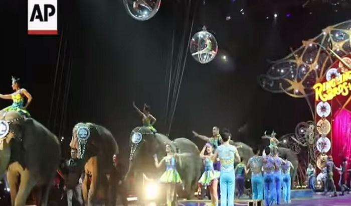 VIDEO: Poznati cirkus zbog prava životinja odigrao poslednju tačku sa slonovima