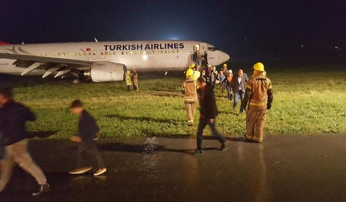 Turski avion sleteo s piste u Prištini