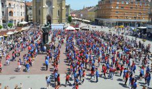 Maturanti u petak plešu na Trgu slobode