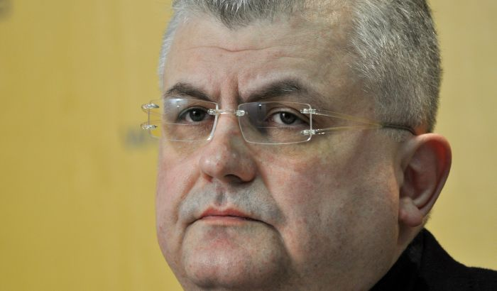 Čanak traži od Korheca ocenu ustavnosti zakona o budžetu Srbije